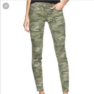 Gap CAMO Jeans 26 & 27 EUC 💚